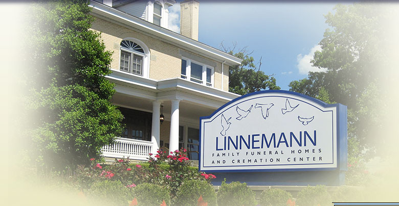 The front sign and entrance of Linnemann Funeral Homes's Kenton County location